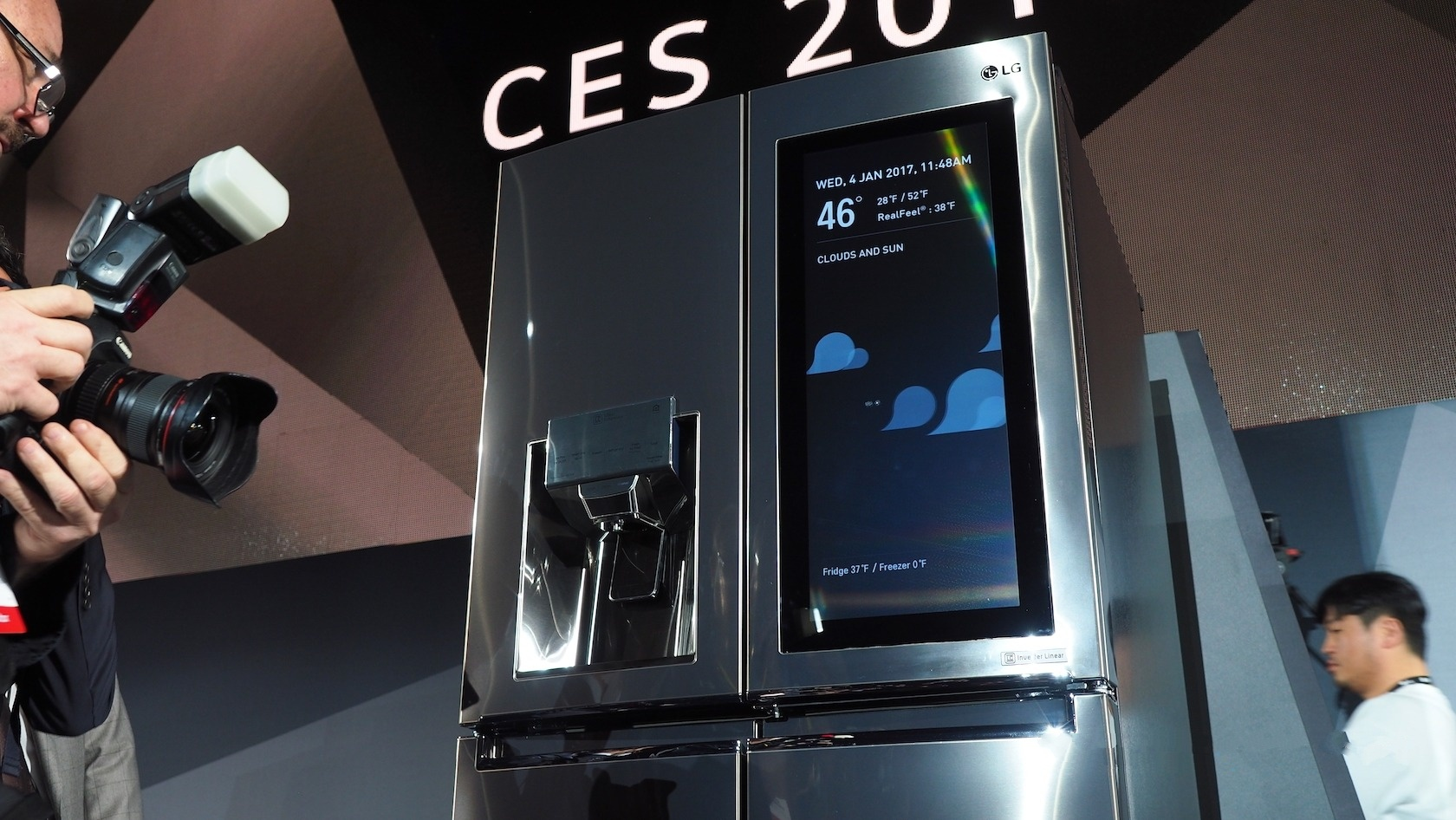 LG_Smart_Fridge_webOS_CES_0.jpg