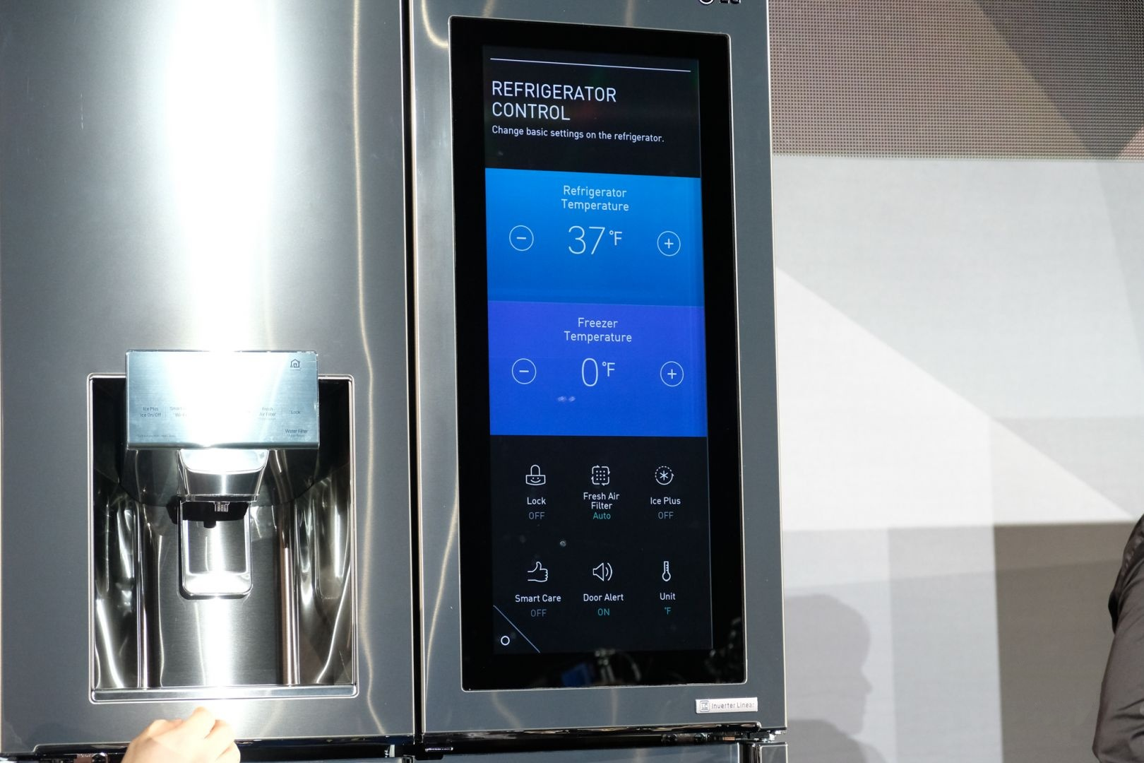 LG_Smart_Fridge_webOS_CES_6.jpg