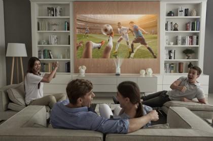 LG-ProBeam-Projector_HF85J_Livingroom.jpg