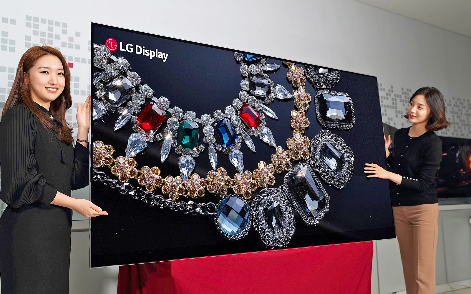 LG-Display-88-inch-8K-OLED-Display.jpg