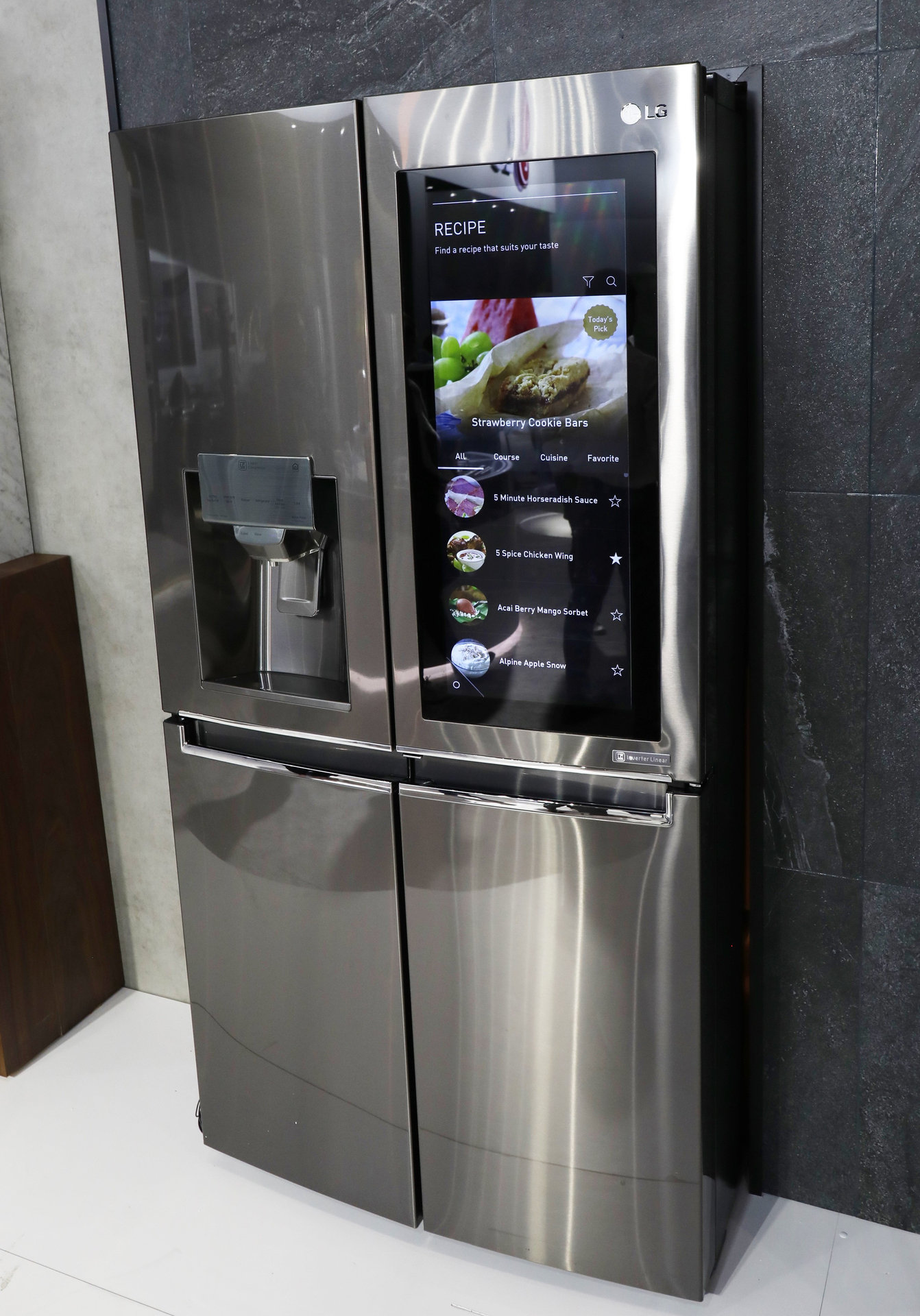 Smart fridge LG InstaView ThinQ 2.jpg