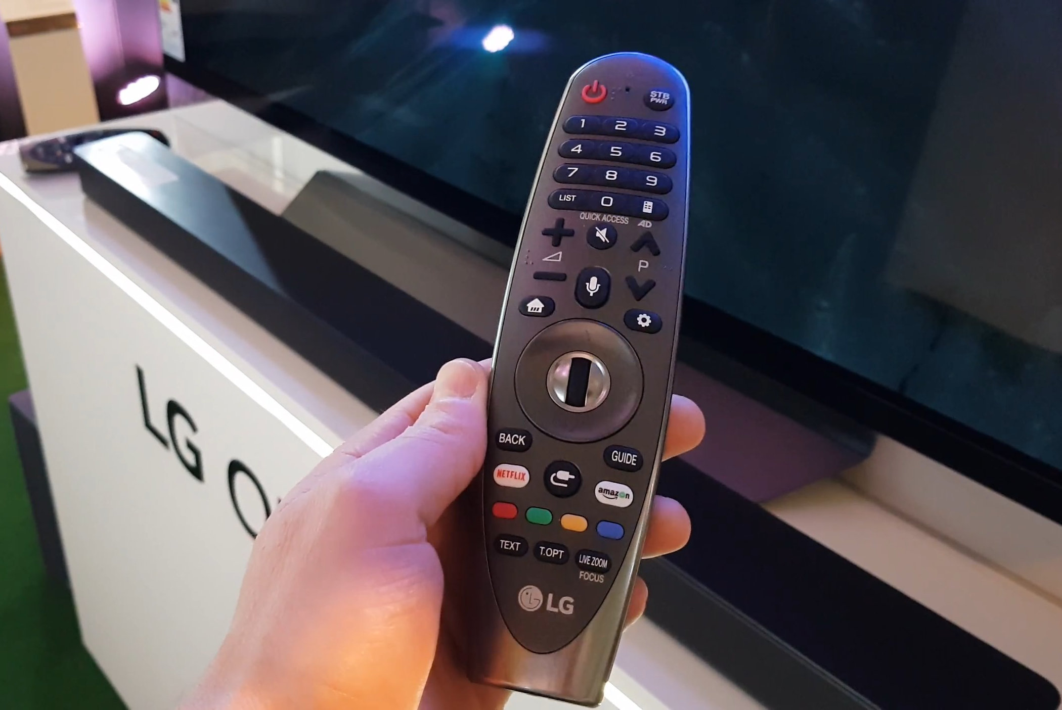 LG Magic Remote 2018 2.jpg