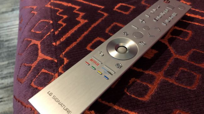 LG OLED65R9 rollable OLED TV 2019 Magic Remote.jpg